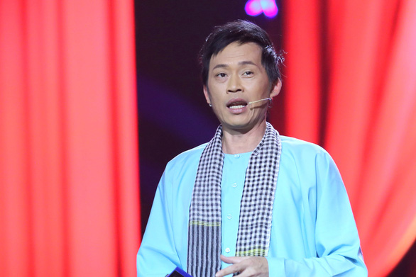 Nghệ sĩ Hoài Linh nói gì về số tiền hơn 14 tỉ đồng ủng hộ đồng bào lũ lụt miền Trung? - Ảnh 1.