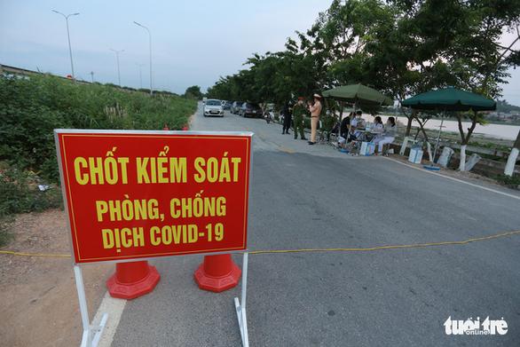TP Bắc Ninh lập 115 điểm chốt kiểm soát dịch, người dân không ra đường sau 20h - Ảnh 1.