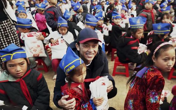 Hoài Linh thông tin việc giữ hơn 14 tỉ đồng chưa làm từ thiện: Dư luận không đồng tình - Ảnh 2.