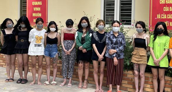 Đã cấm karaoke, chủ quán vẫn mở cửa cho 40 nam nữ từ Bắc Ninh, Gia Lai, Thanh Hóa dùng ma túy - Ảnh 1.