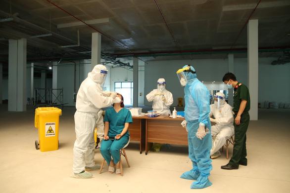 Một số bệnh nhân COVID-19 ở Bắc Giang chiều hướng nặng - Ảnh 1.