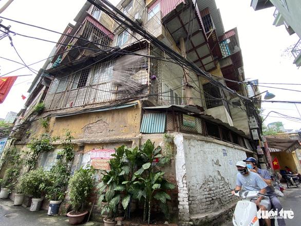 Hà Nội yêu cầu cuối tháng 5 phải báo cáo kế hoạch xây lại chung cư cũ 60 Thổ Quan - Ảnh 2.