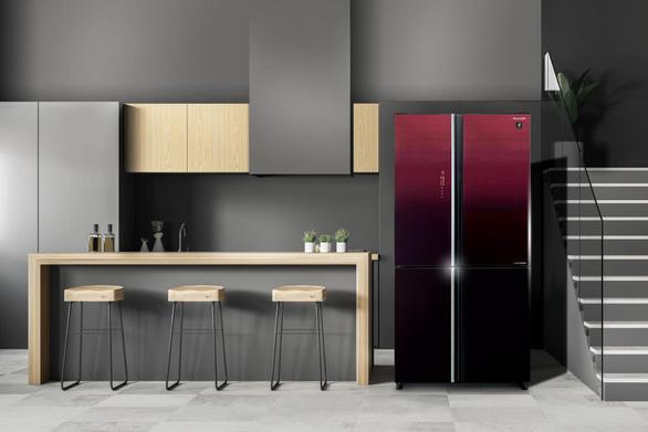 Sharp giới thiệu tủ lạnh tích hợp công nghệ hỗ trợ diệt khuẩn Plasmacluster Ion - Ảnh 1.