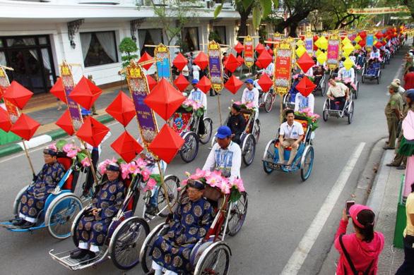 Huế hoãn tổ chức Festival nghề truyền thống 2021 vì dịch COVID-19 - Ảnh 1.