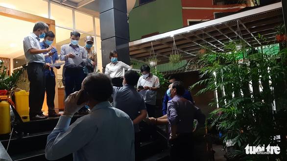Khoanh vùng một tòa nhà ở quận Phú Nhuận và một phần Bệnh viện Nhân dân Gia Định - Ảnh 7.