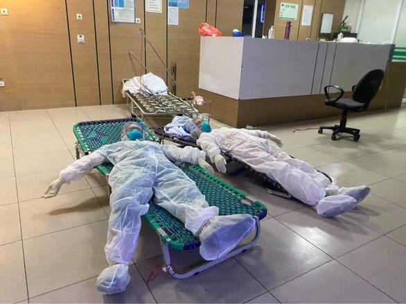 Gỡ cách ly y tế Bệnh viện Bệnh nhiệt đới Trung ương cơ sở 2 - Ảnh 1.