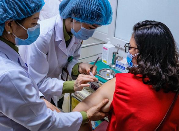 Kiến nghị cấp phép khẩn cho vắc xin Việt Nano Covax - Ảnh 1.