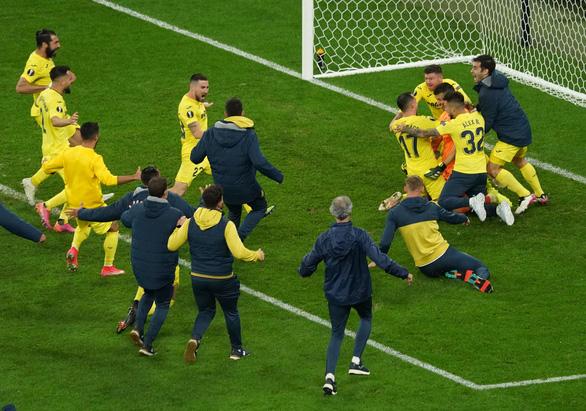 Chiến thắng ở quả penalty thứ 11, Villarreal lần đầu vô địch Europa League - Ảnh 5.