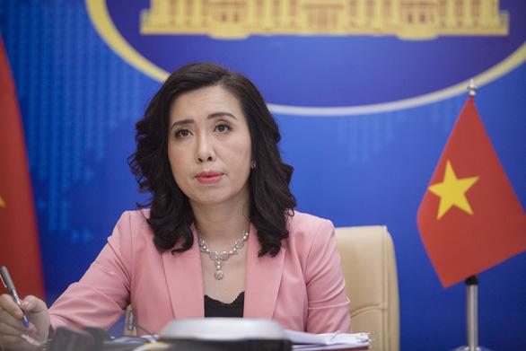 Bộ Ngoại giao trả lời về chính sách vắc xin COVID-19 cho người nước ngoài ở Việt Nam - Ảnh 1.