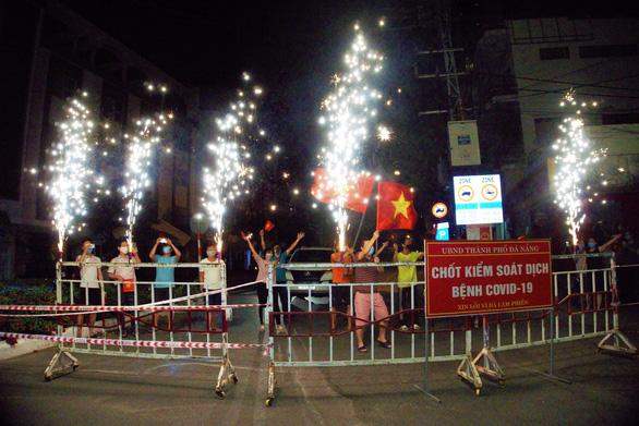 Đà Nẵng dỡ phong tỏa chung cư 12T3 và khu dân cư quanh vũ trường New Phương Đông - Ảnh 2.