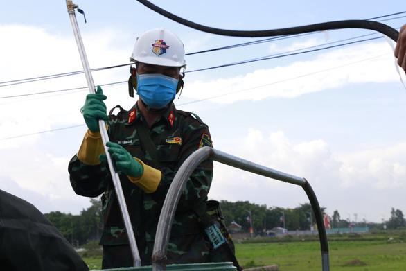 Đưa 15 xe đặc chủng tiêu độc, khử trùng tại Bắc Ninh - Ảnh 2.