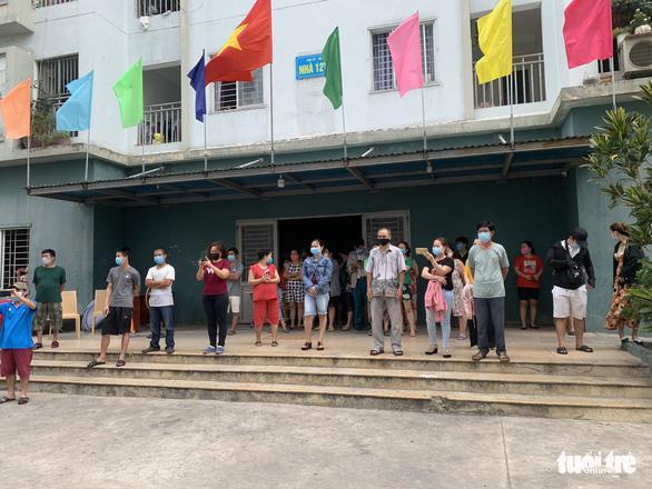 Đà Nẵng dỡ phong tỏa chung cư 12T3 và khu dân cư quanh vũ trường New Phương Đông - Ảnh 1.