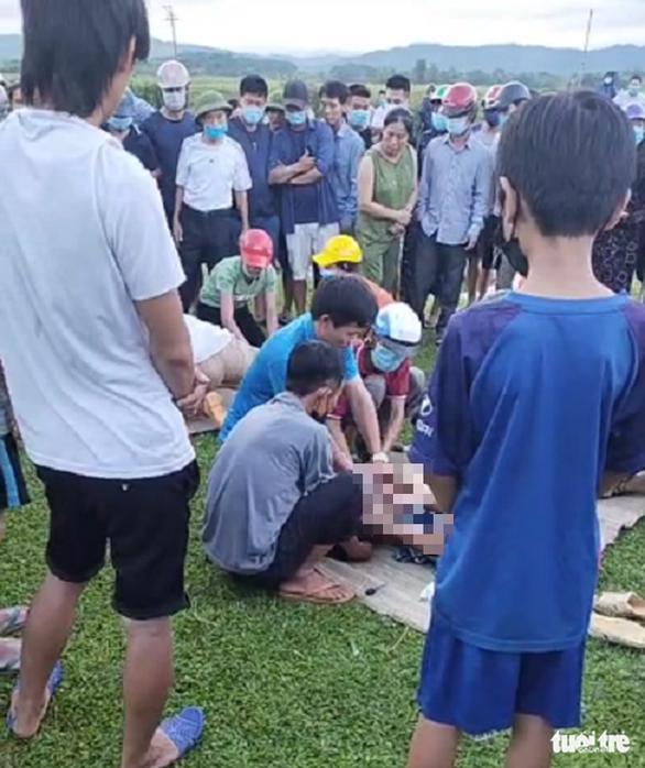 Hai học sinh chết đuối thương tâm ở Hà Tĩnh - Ảnh 1.