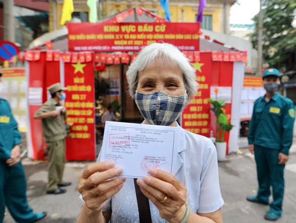 Hà Nội công bố danh sách 95 đại biểu HĐND thành phố nhiệm kỳ 2021-2026 - Ảnh 1.