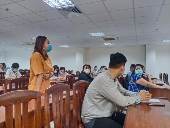 Trung tâm ngoại ngữ bất ngờ đóng cửa, học viên chật vật đòi lại học phí - Ảnh 2.