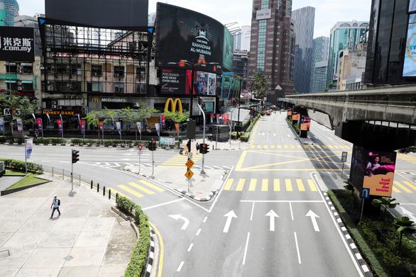 Malaysia phong tỏa toàn quốc 2 tuần từ ngày 1-6 - Ảnh 1.