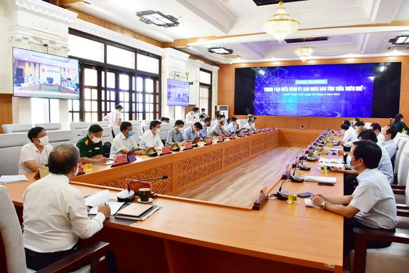 Huế ra mắt trung tâm điều hành 4 không 1 có ở UBND tỉnh - Ảnh 2.
