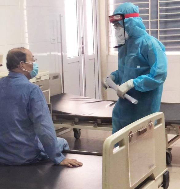 50 bệnh nhân mắc COVID-19 khỏi bệnh - Ảnh 1.