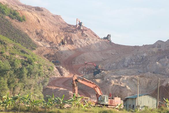 Dự án cao tốc Cam Lộ - La Sơn qua Thừa Thiên Huế thiếu đất san lấp - Ảnh 1.