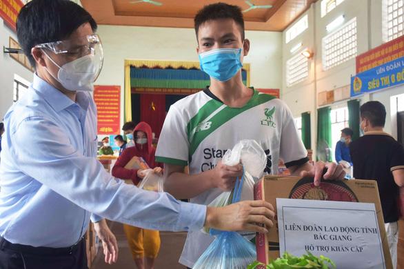 67.000 công nhân ở Bắc Giang đang cần được hỗ trợ tiếp tục - Ảnh 2.