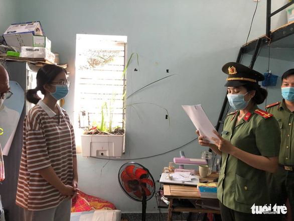 Khởi tố 2 cô gái trong đường dây giúp người Hàn làm chuyên gia để nhập cảnh - Ảnh 1.
