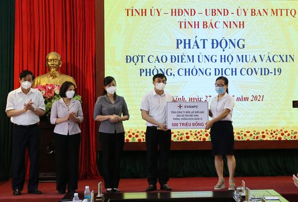 EVNNPC ủng hộ 1 tỉ đồng cùng Bắc Giang, Bắc Ninh phòng chống COVID-19 - Ảnh 2.