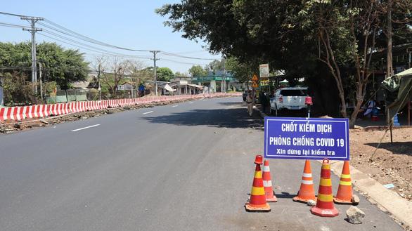 Bình Phước dừng xe chở khách trong tỉnh để phòng chống dịch - Ảnh 1.