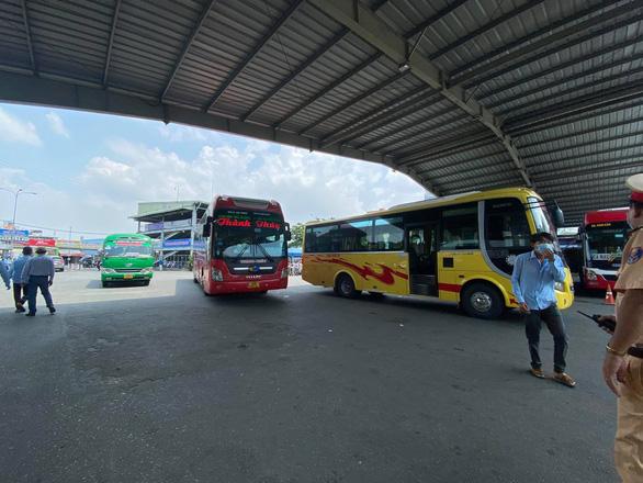 Bến xe Miền Đông truy vết người liên quan nữ giáo viên ở Đắk Lắk nghi mắc COVID-19 - Ảnh 1.
