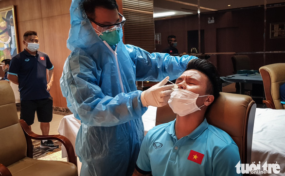 Đội tuyển Việt Nam tiếp tục xét nghiệm COVID-19 trước trận gặp Jordan - Ảnh 1.