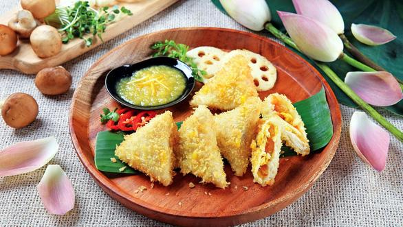 Cuốn ngũ sắc mùa Phật đản: Đừng nêm cục bực vào món ăn - Ảnh 1.