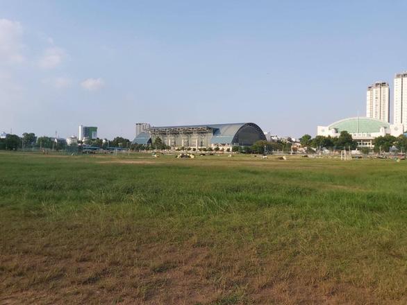 Sau ồn ào trên mạng, sân Phú Thọ đã dọn sạch rác đêm Tri âm của Mỹ Tâm - Ảnh 1.
