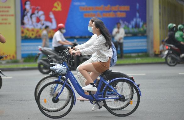 Tháng 9-2021 sẽ đưa xe đạp công cộng vào hoạt động - Ảnh 1.