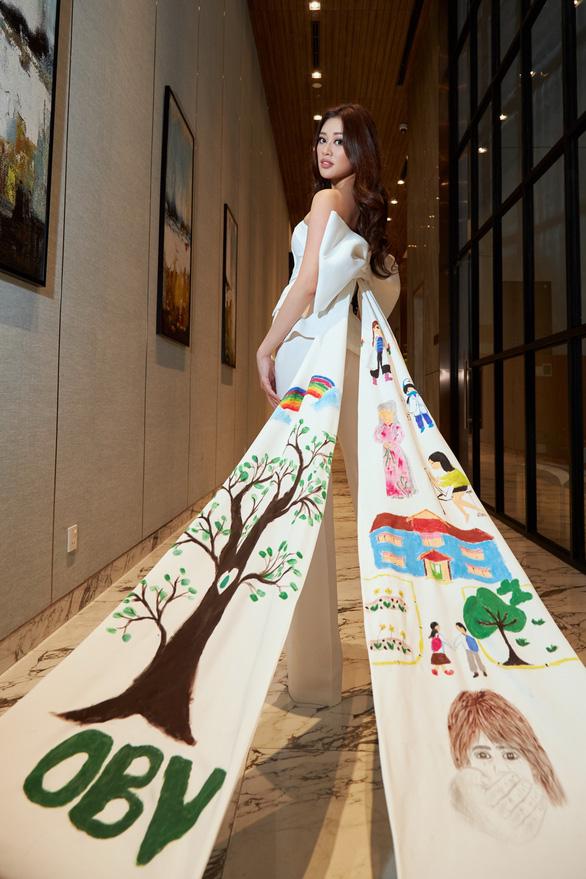 Hoa hậu Khánh Vân: ... Từng là nạn nhân bất thành của nạn quấy rối tình dục - Ảnh 1.
