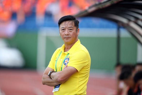 HLV Lê Huỳnh Đức rời SHB Đà Nẵng, Phan Thanh Hùng tiếp quản ghế nóng - Ảnh 1.