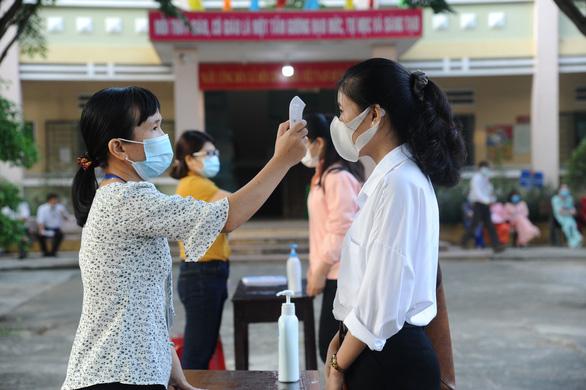 Quảng Nam cho học sinh khu vực giáp Đà Nẵng trở lại trường thi kết thúc năm học - Ảnh 1.