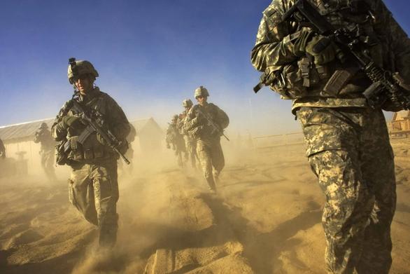 Mỹ gặp nguy vì chần chừ rời Afghanistan - Ảnh 1.