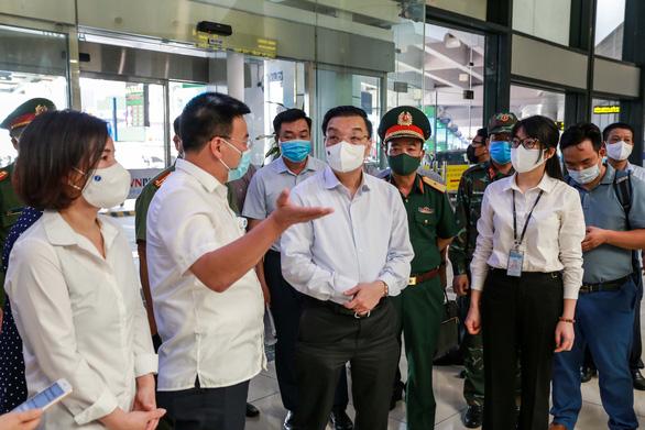 Chủ tịch Hà Nội Chu Ngọc Anh: Không chủ quan vì nguy cơ lây nhiễm rất cao - Ảnh 1.