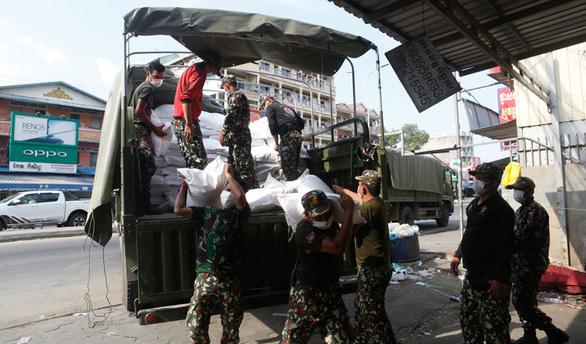 Campuchia sẽ dỡ phong tỏa Phnom Penh và các tỉnh sau 5-5 - Ảnh 1.