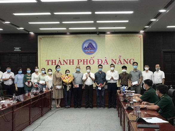 Đà Nẵng cử 10 bác sĩ và điều dưỡng chi viện chống dịch cho Bắc Giang - Ảnh 1.