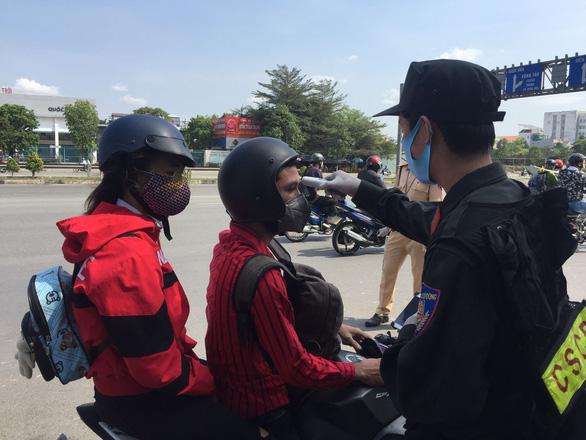 Đồng Nai yêu cầu dừng vận chuyển hành khách đến TP.HCM và các tỉnh có dịch - Ảnh 1.