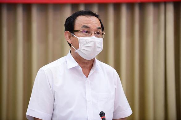 Bí thư Nguyễn Văn Nên: Mong người dân lượng thứ cho những lúng túng của TP.HCM - Ảnh 1.