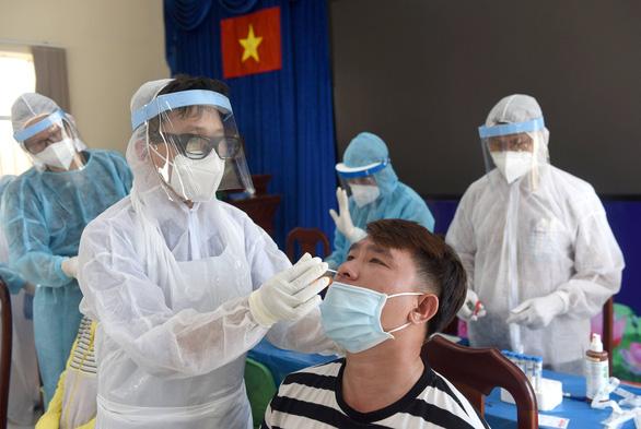 HCDC: Chuỗi lây nhiễm ở Tân Phú là từ F1 của hội thánh truyền giáo - Ảnh 1.
