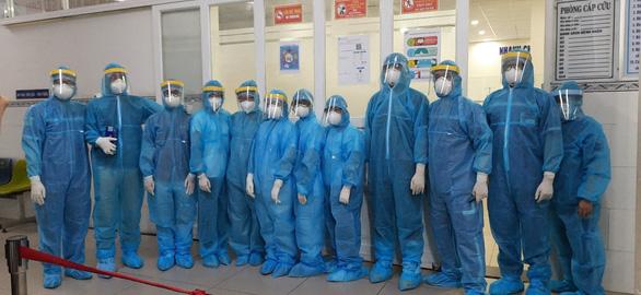 Hơn 700 nhân viên y tế của 30 bệnh viện TP.HCM hỗ trợ lấy mẫu ở Gò Vấp - Ảnh 2.