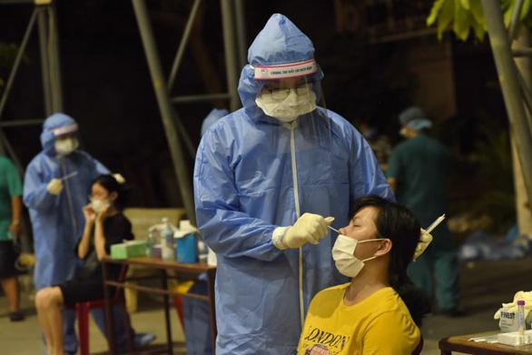 TP.HCM ghi nhận 51 ca nghi nhiễm mới - Ảnh 1.