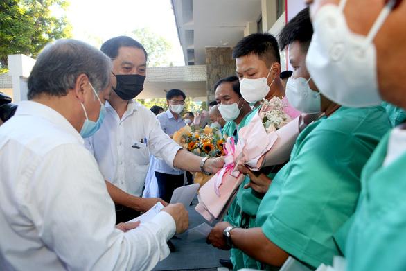 Y bác sĩ Thừa Thiên Huế lên đường vào tâm dịch Bắc Giang chống dịch - Ảnh 1.