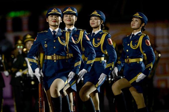 Trung Quốc cưng chiều lính trẻ - Ảnh 1.