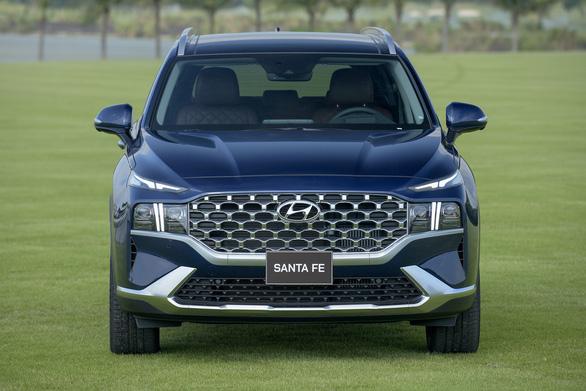 Hyundai Santa Fe 2021 chính thức ra mắt tại Việt Nam, giá từ 1,030 tỉ đồng - Ảnh 2.