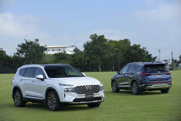 Hyundai Santa Fe 2021 chính thức ra mắt tại Việt Nam, giá từ 1,030 tỉ đồng - Ảnh 1.