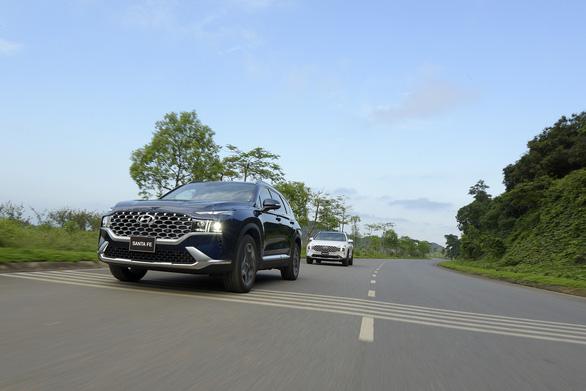 Hyundai Santa Fe 2021 chính thức ra mắt tại Việt Nam, giá từ 1,030 tỉ đồng - Ảnh 4.