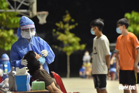 7 trường hợp nghi nhiễm tại quận Bình Thạnh, TP.HCM - Ảnh 1.